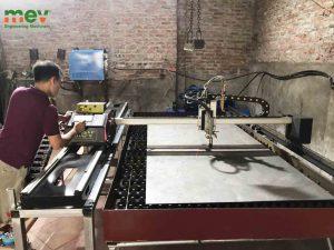 vận hành máy cắt CNC 1600plus